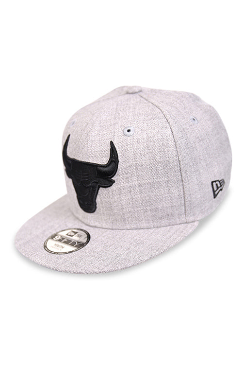 New Era Youth 950 Bulls Heather Black Snapback Angle