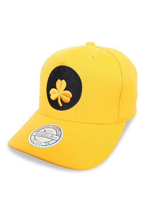 M&N Celtics 110 Pinch Panel Crown Gold Snapback