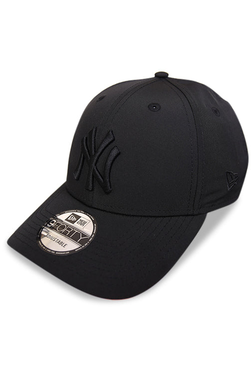 New Era 940 NY Black Pro Snapback Angle
