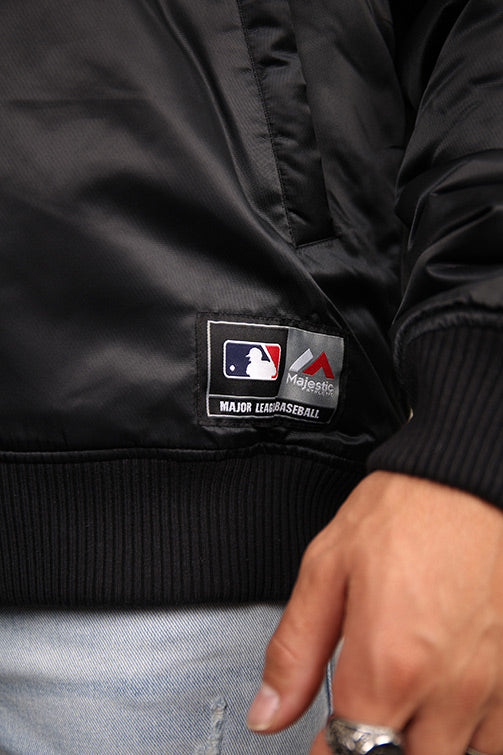 Majestic SF Giants Team Bomber Jacket Black Detail 2