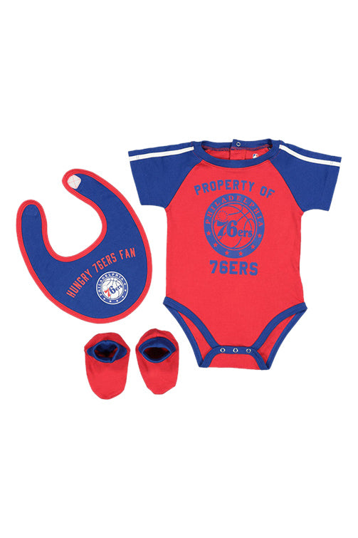 Outerstuff 76ers Rebound Creeper Bib & Bootie Set Blue Front