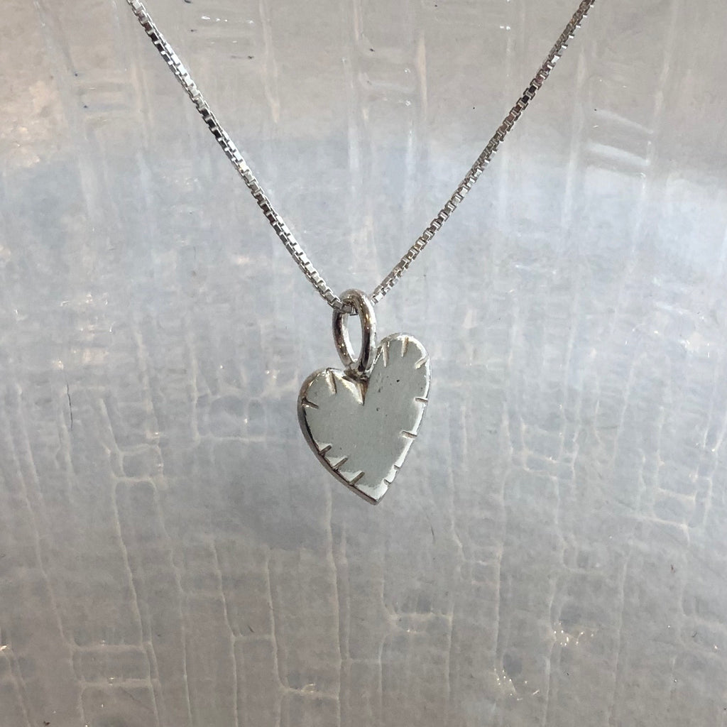 Korunilo Finland Broken Heart Necklace