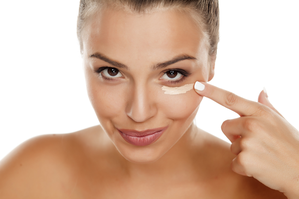 5 Simple Tricks To Conceal Dark Under-Eye Circles
