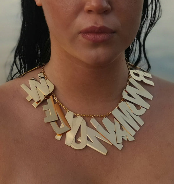 Wonder woman necklace • guld