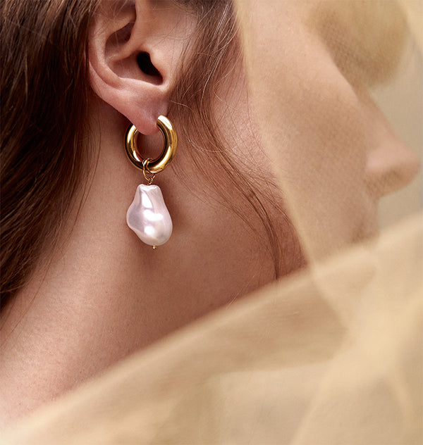Robinette earrings • gold