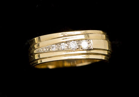 Custom 0.12ctw Graduated Diamond Band Ring 14k