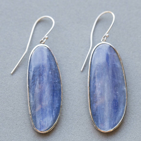 Handmade Kyanite Dangle Earrings in Hammered 18k, Kyanite Earrings White Gold, Fine Earrings Kyanite, Kyanite 14k Earrings, Kyanite 18k