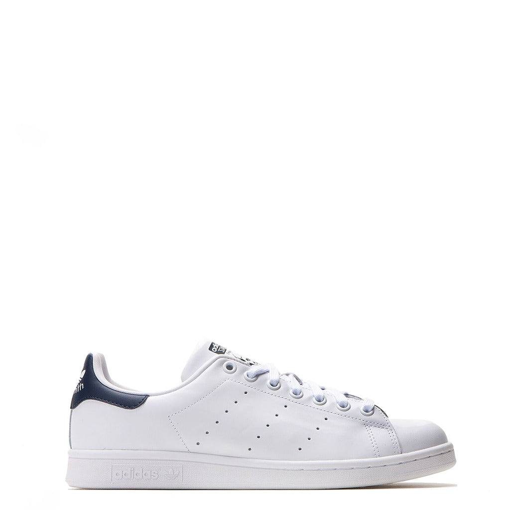 timeless design 67f43 092e1 Adidas Stan Smith Trainers White