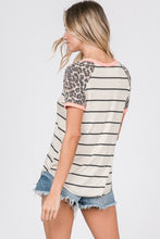 Load image into Gallery viewer, Leopard Raglan Top