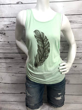 Load image into Gallery viewer, Feather print Tanktop