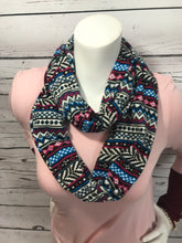 Load image into Gallery viewer, Aztec Loop Scarf