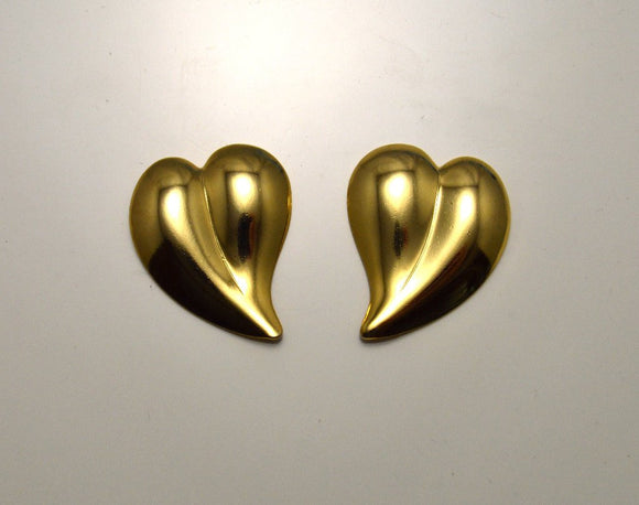 20 x 21 mm Curved Heart 14 Gold or Nickel Plated Magnetic Clip Or Pierced Earrings