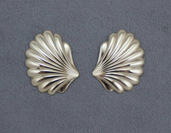 Scallop Shell Magnetic or Pierced Earrings 20 x 35 mm