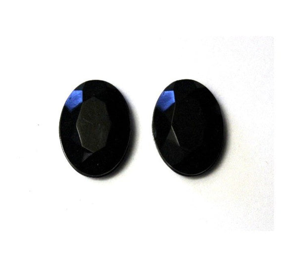 18 x 26 mm Faceted Oval Magnetic Earrings in Jet Black - Laura Wilson Gallery