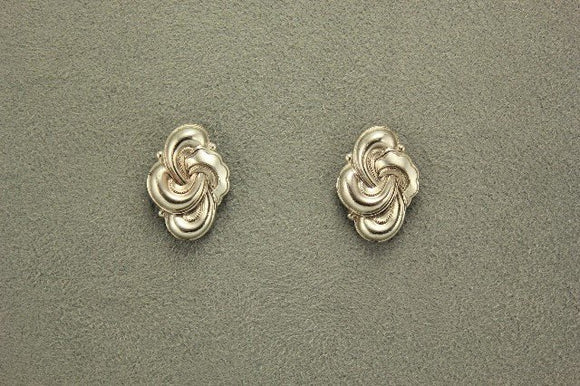 15 x 20 mm Magnetic Oval Knot Earrings in Silver - Laura Wilson Gallery