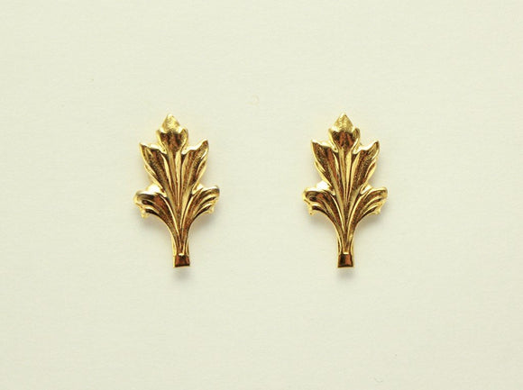 Tiny Leaf Magnetic Non Pierced Clip Earrings - Laura Wilson Gallery