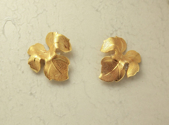 14 Karat Gold Plated  Brass 20 x 22 mm Leaf Magnetic Non Pierced Earrings - Laura Wilson Gallery