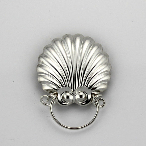 Silver Scallop Sea Shell Magnetic Eyeglass Holder - Laura Wilson Gallery