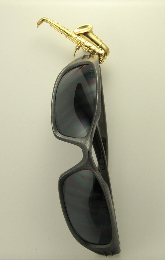 14 Karat Gold Plated Saxophone Magnetic Eyeglass Holder or Tie Tack - Laura Wilson Gallery