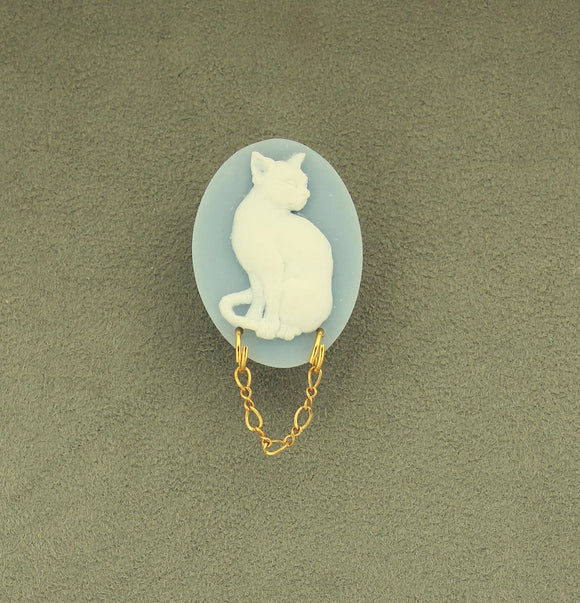 Handmade Acrylic White Cat on Dresden Blue Oval Magnetic Brooch or Eyeglass Holder - Laura Wilson Gallery