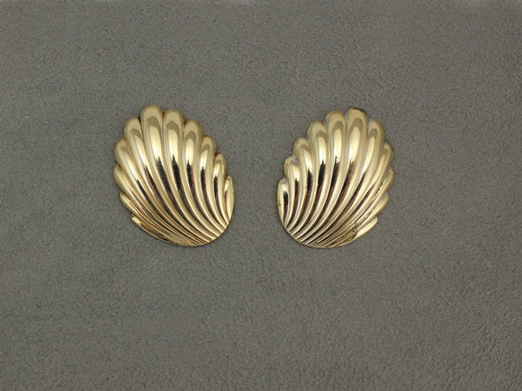 Gold Scallop Shell Magnetic Earrings - Laura Wilson Gallery