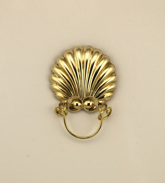 14 Karat Gold Plated Scallop Sea Shell Magnetic Eyeglass Holder - Laura Wilson Gallery