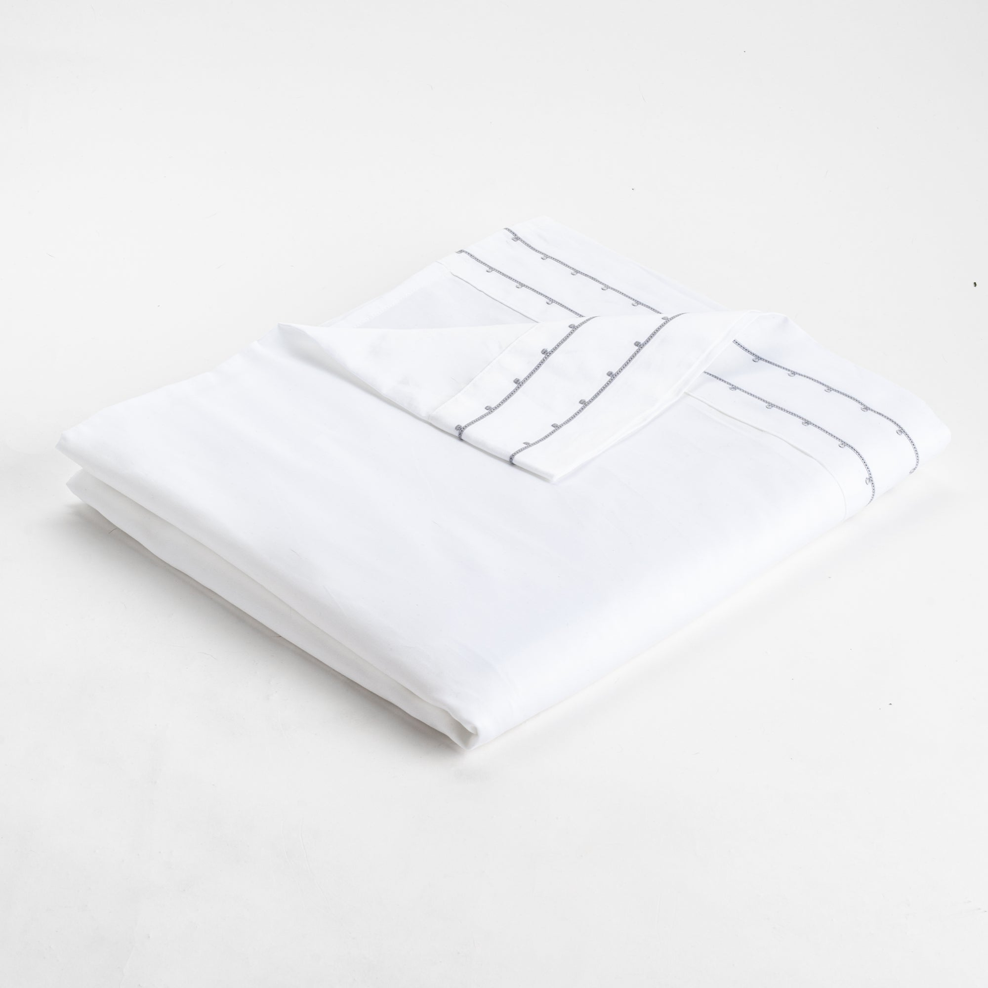 ORGANIC PRAGUE™ EMBROIDERED FLAT SHEETS