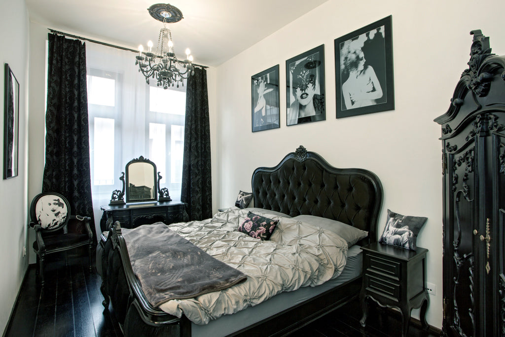 Image of Tragic Kiss Luxury Boudoir Atelier