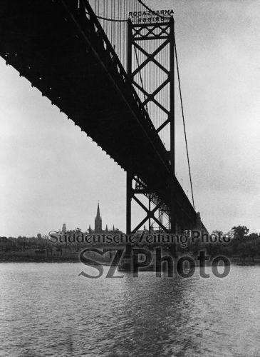 Ambassador Bridge Detroit 1935 - Bild 1