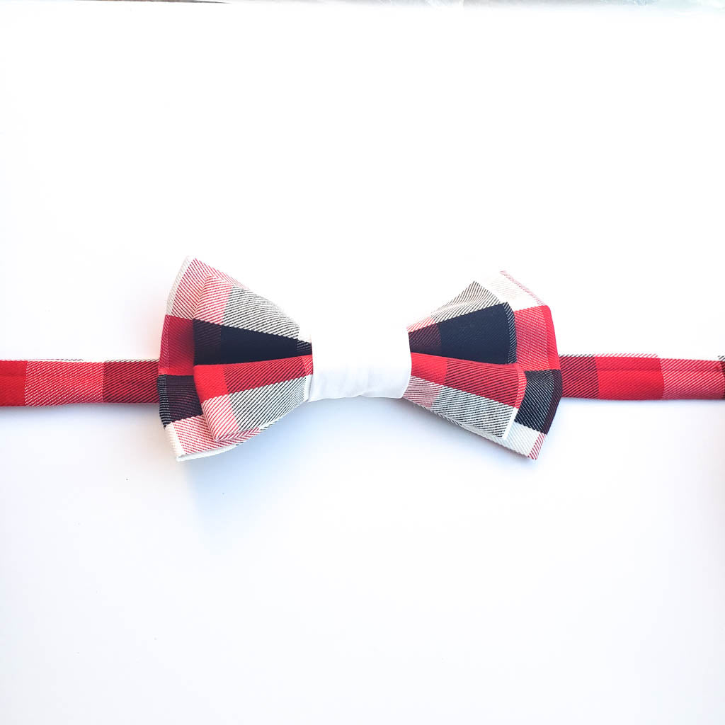 NEWMAN RED PLAID BOW TIE W/ WHITE CENTER
