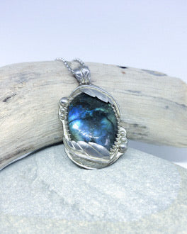 Flowing Leaves - Sterling Silver and Labradorite Pendant