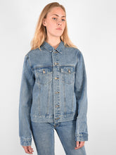 Load image into Gallery viewer, ÖA DENIM JACKET LIGHT BLUE
