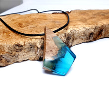 Load image into Gallery viewer, OCEAN BLUE - Dart - Red Mallee - Resin Necklace - Jewelry