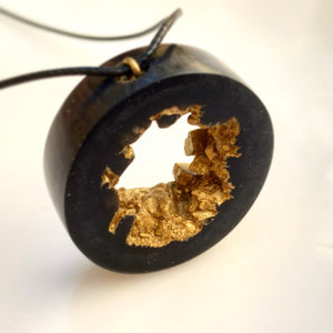 Geode Druzy Ring Gold Necklace - Resin Jewelry - Golden Pendant - Obsidian Black Gold - Crystal Hoop - Beton - Wearable Wood