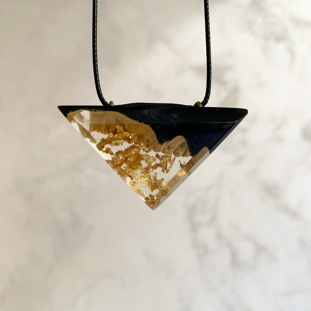 Pendant with Resin and Gold Flakes Necklace - Geode Druzy Resin Jewelry - Golden Pendant - Obsidian Black Resin and Gold - Black Triangle - Beton - Wearable Wood