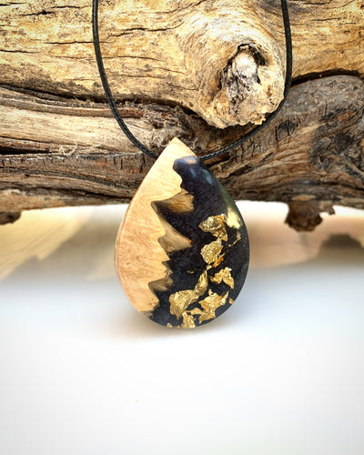 Black Gold Flake Wood Resin Necklace - Wood Resin Jewelry Pendant - Cactus Necklace - Bois résine Bijoux - Wearable Wood