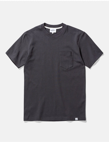 Norse Projects Johannes Taschen-T-Shirt - Schiefer-Grau