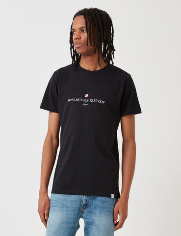 Norse Projects Niels Koordinaten-Logo-T-Shirt - Schwarz