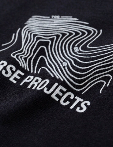 Norse Projects Niels Klein Topo-Logo-T-Shirt - Schwarz