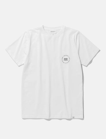 Norse Projects Niels Wave-Emblem-T-Shirt - Weiß