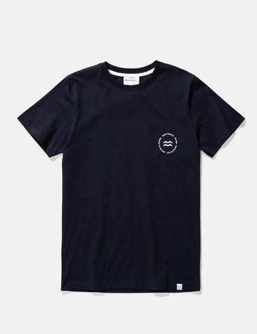 Norse Projects Niels Wave-Emblem-T-Shirt - Dark Navy Blau