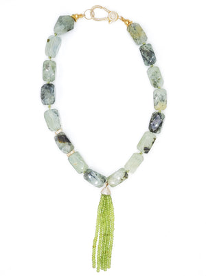 Prehnite w Beaded Tassel
