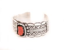 Load image into Gallery viewer, Large Noble Coral Cuff