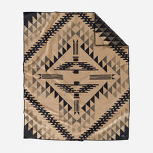 Load image into Gallery viewer, Pendleton Thunderbird Mountain Robe