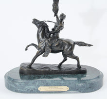 Load image into Gallery viewer, Buffalo Signal by Frederic Remington bronze sculpture statue large detail