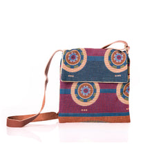 Load image into Gallery viewer, Mahota textiles sun symbols purse pattern blanket woven Chickasaw nation