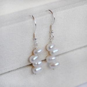 Bridesmaid pearl jewellery set
