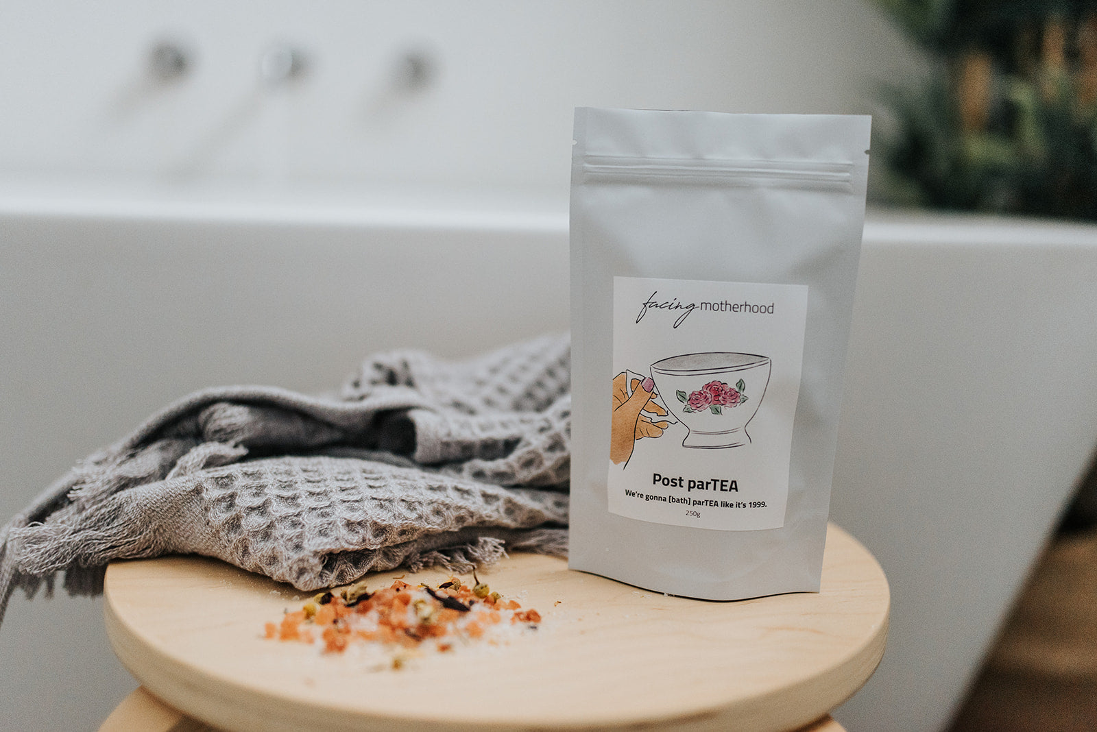 Natural and vegan postpartum tea bath sitz soak