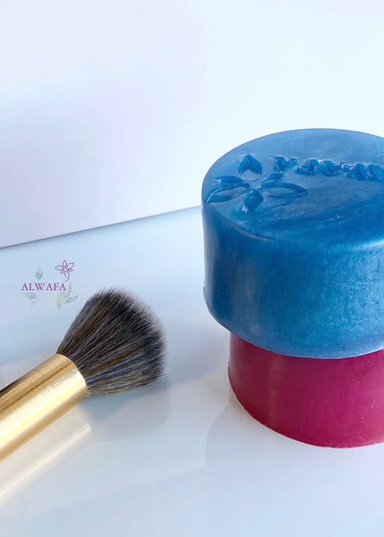 Makeup brush solid cleanser