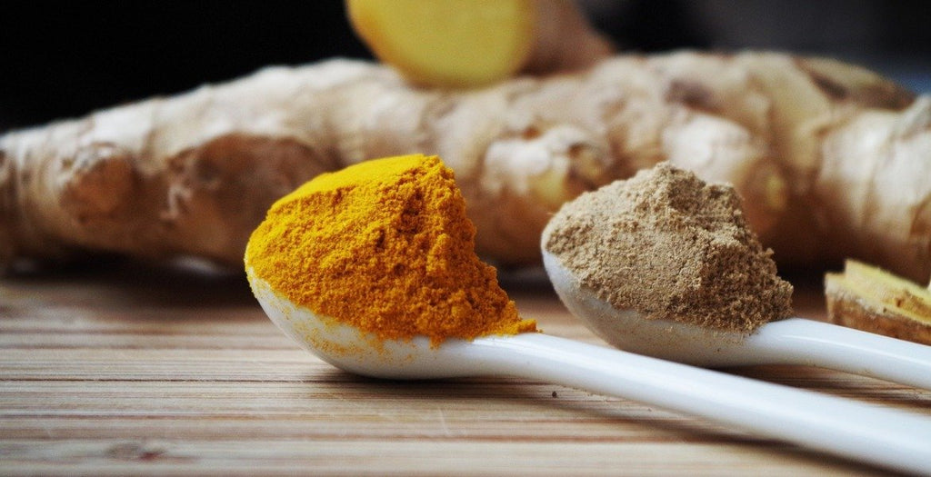 turmeric and ginger|Turmeric powder|Turmeric face mask recipe|turmeric powder and cloves|Turmeric in grinding bowl|turmeric capsules